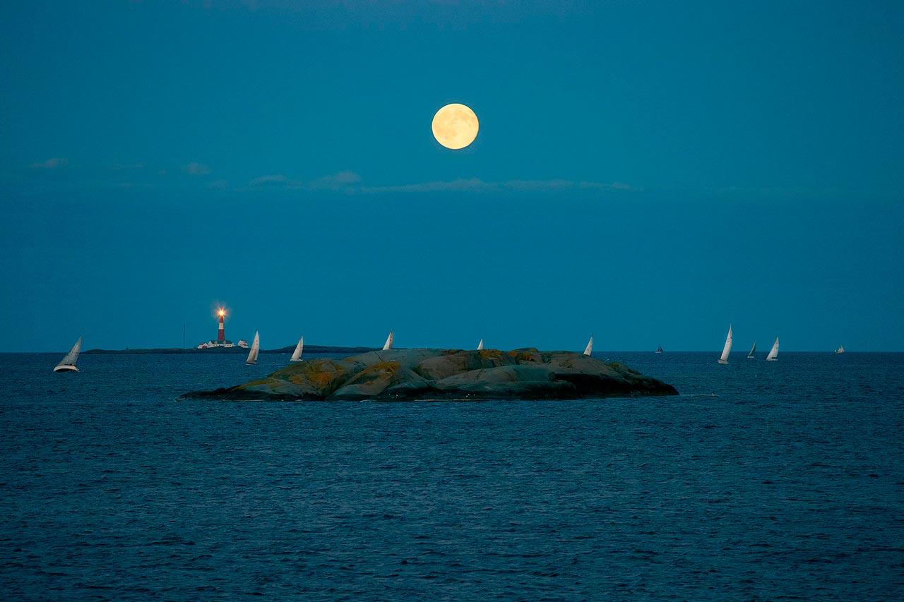 Færderseilas med måne
